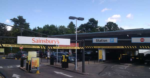 Car Parking At Harrow On The Hill Station